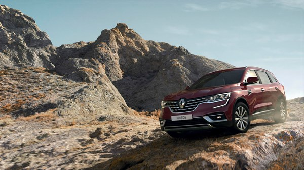 Renault KOLEOS on the hill