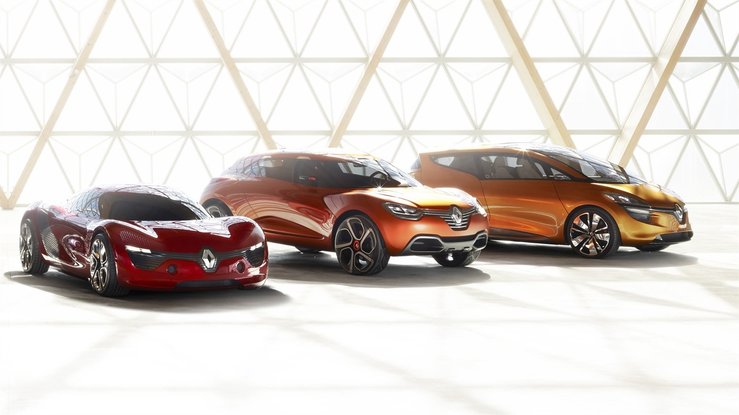 Renault - concept cars range - 3 vehicles 3/4 right front end view